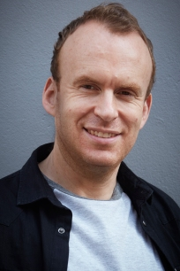 Matt Haig portrait_CR_Jonathan Ring.jpg